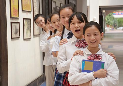 合肥初中外国语世界_凤凰网安徽中考升高学校门几图片