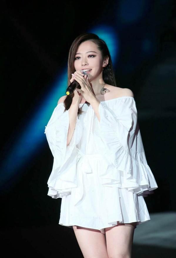 《歌手》嘉宾名单公布 张靓颖庆幸不与林忆莲同台PK