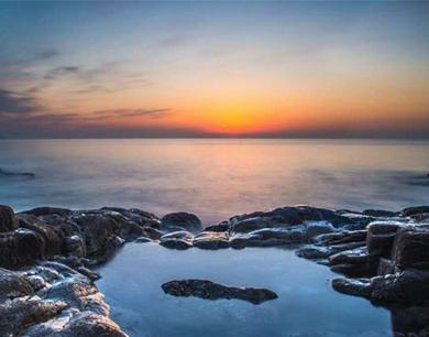 今天,晨曦中的青岛海滨美爆了!