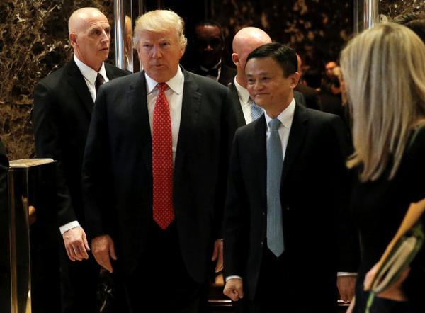 马云/特朗普和马云在会谈结束后,共同会见记者。...