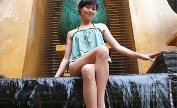 她是亚洲第一美腿,疑插足甄子丹婚姻,与编剧7日闪婚