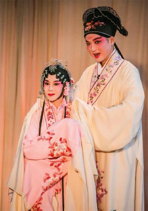 湖南台小年夜多惊喜 莫文蔚俞玖林玩昆曲