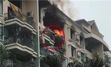 佛山一小区煤气爆炸 户主从7楼跳下