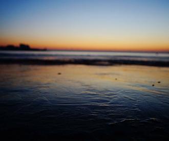胶州湾再现海冰 第三海水浴场别有韵味
