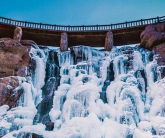 瀑布如冰河垂地 春节来北九观赏绝美冰瀑吧!