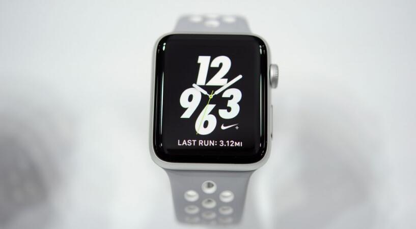 情怀满满 苹果新专利让Apple Watch转转表冠就能充电