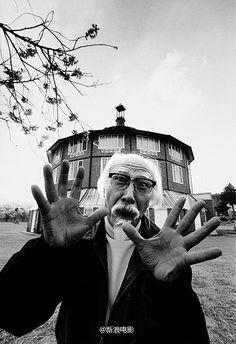 日本导演铃木清顺去世 81岁时曾再婚娶小48岁妻子