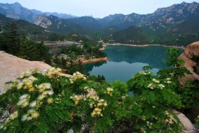 二龙山位于青岛市崂山区