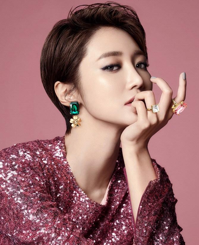 韩国最美短发女星高俊熙春日写真 性感清纯多样魅力