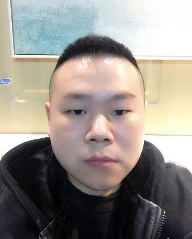 岳云鹏听歌落泪 网友:男人哭吧哭吧不是罪