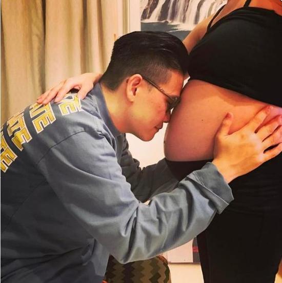 49岁苏永康老来得子!妻子怀孕9个月巨肚惊人(图)