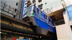 重庆单轨列车穿楼而过 外媒惊呼:太神奇了