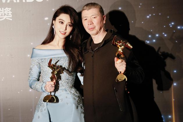 冯小刚亚洲电影获奖 发感言称:不做票房奴隶