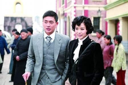 黄宗泽与旧爱胡杏儿同台不尴尬 称不着急结婚
