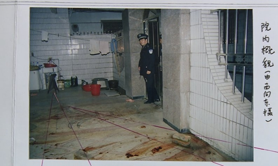 名校高中生捅杀老太74刀后瞒14年 曾被期望上清华