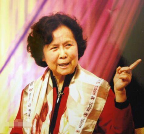 杨洁是中国电视第一代导演,也是中国第一位女制片人