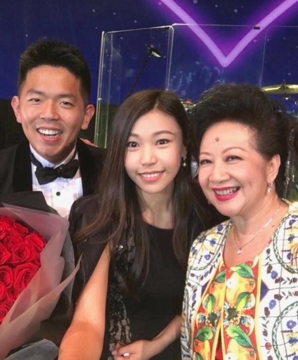 儿子求婚成功,67岁薛家燕送上两千万豪宅厚礼