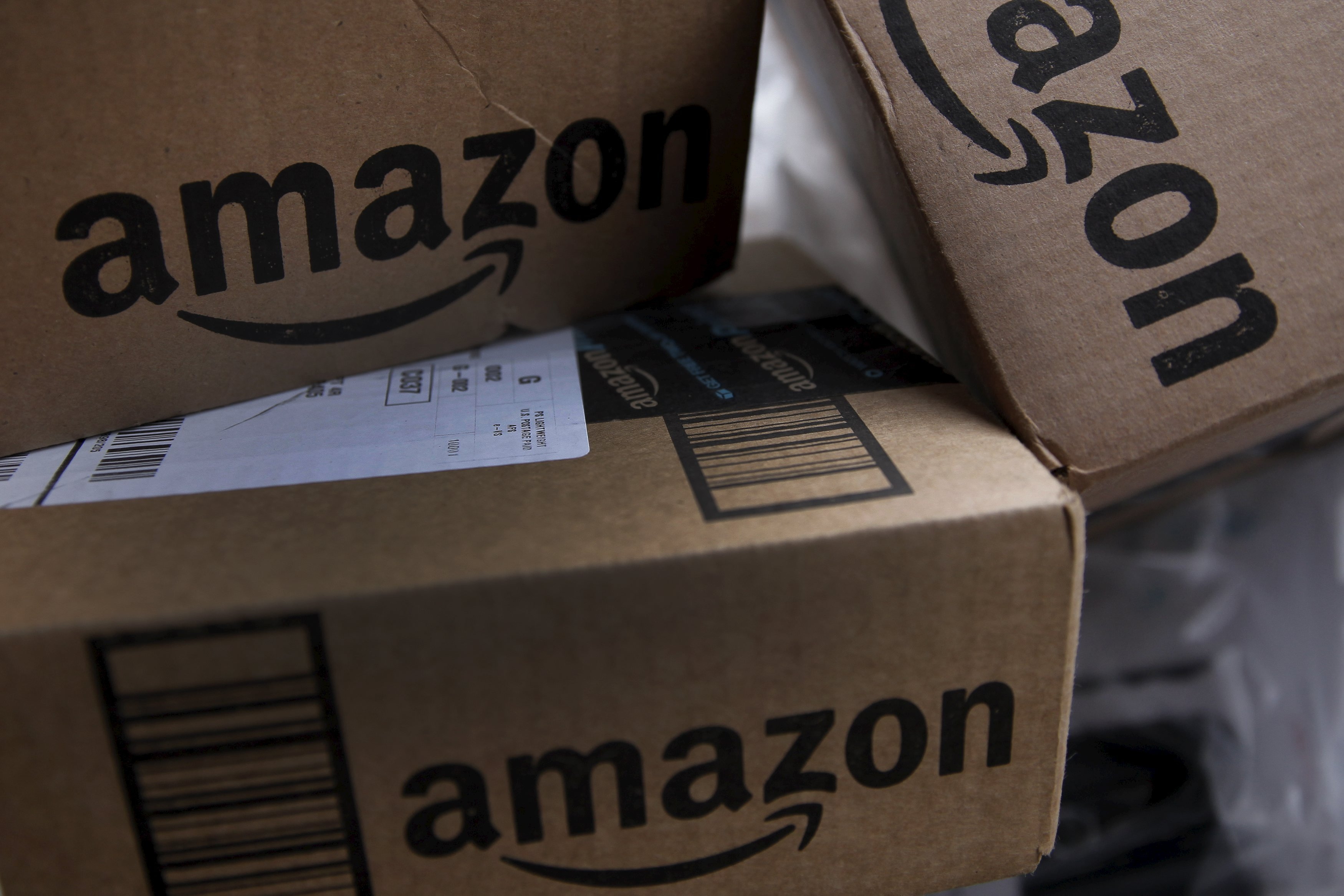 亚马逊组建团队开发无人车技术 加快包裹配送