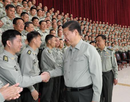 习近平视察南部战区陆军机关