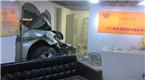 北京华贸地库事故:女保安被撞飞 车辆扎进墙