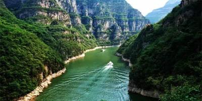"""""""五一""""到青天河游高峡平湖、踏青吸氧、亲近自然"""