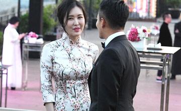 """田朴珺和汪小菲热聊 与王石同场不同框""""在"""