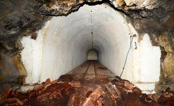 男子发现几百米深的神秘隧道 用途让人大为震惊