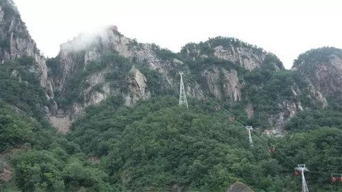 旅游  二龙山风景区:位于内乡县板场乡让河村,景区面积30平方公里