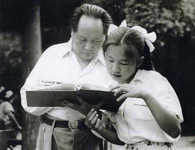 72年李讷生子后生活困难 毛泽东特支稿费8千元给她
