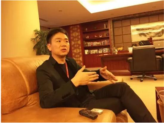 图解刘强东的奢华生活:私人飞机比马云的贵1亿
