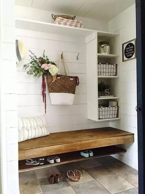 小户型的玄关鞋柜设计,就要跟着格局来,适合才好!