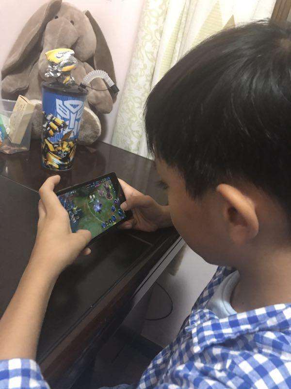 7名小学生玩家谈《王者荣耀》:一些大人输不起