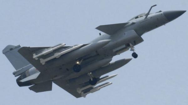 战斗机--简氏:中国或已装备PL15导弹 将成歼20主要武器