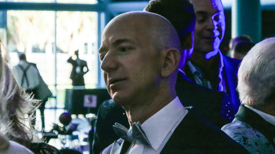 殖民太阳系?亚马逊CEO贝佐斯:可重用火箭可以让1万亿人进入太空