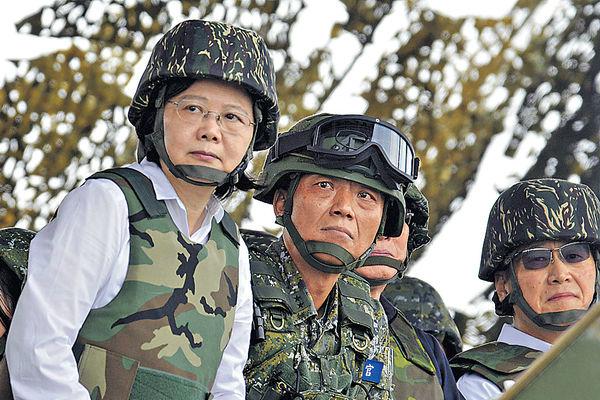 前美联社驻台记者撰文:大陆将在2018年武统台湾