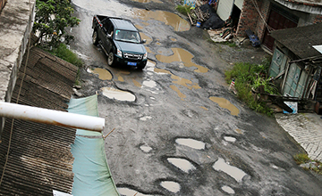 广西:60公里烂路致6万亩芒果滞销