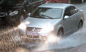 为什么常说下雨天尽量不开车?这些原因你可能不知道