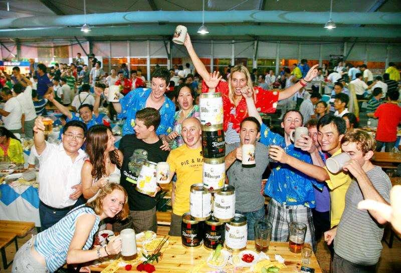"""""""2017年的青岛国际啤酒节,在崂山会场,感情依旧,品质更佳."""