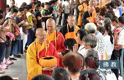 """佛教为何称别人为""""施主""""?"""