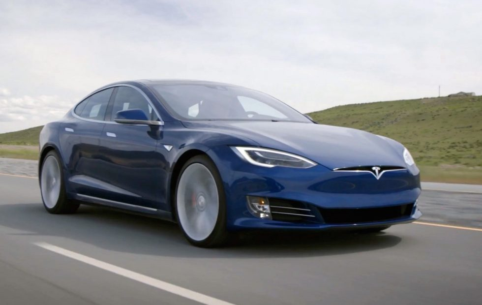 特斯拉电动汽车创记录 一次充电行驶1078公里(图)
