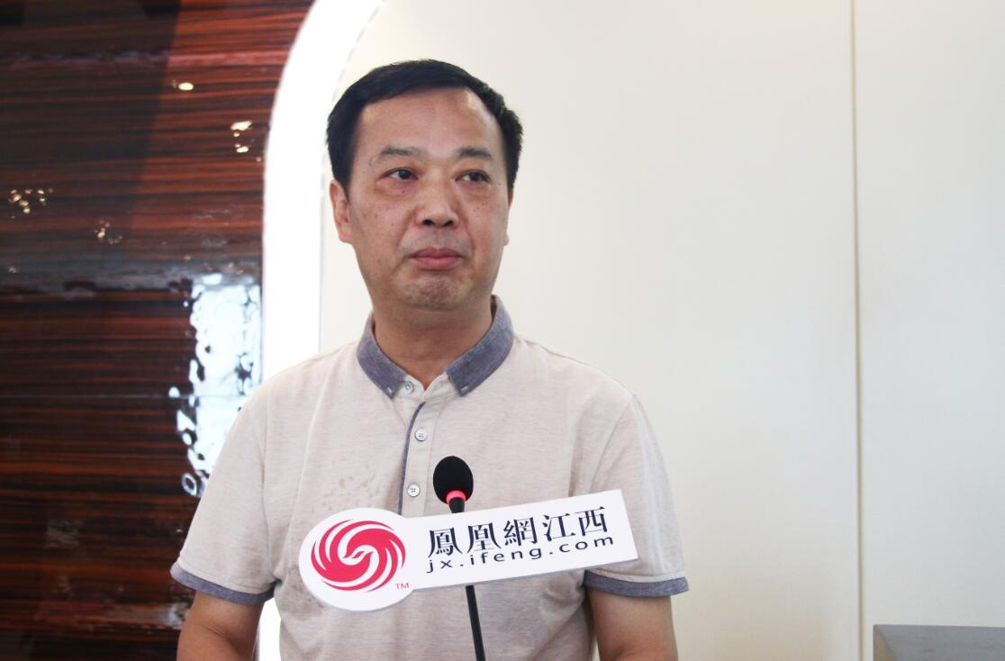 江西省文联主席叶青研究员,江西省社科院院长梁勇研究员以及江西省