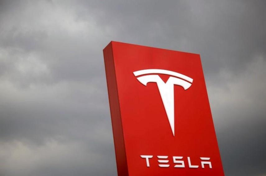 特斯拉计划下月发布电动卡车:续航里程近500公里