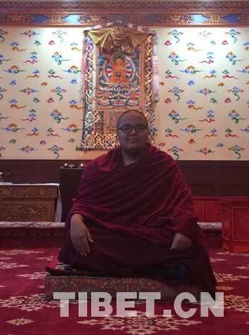 """西藏千年古寺""""90后""""住持:喜欢读《三体》"""