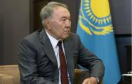 哈萨克斯坦弃核后得到了什么