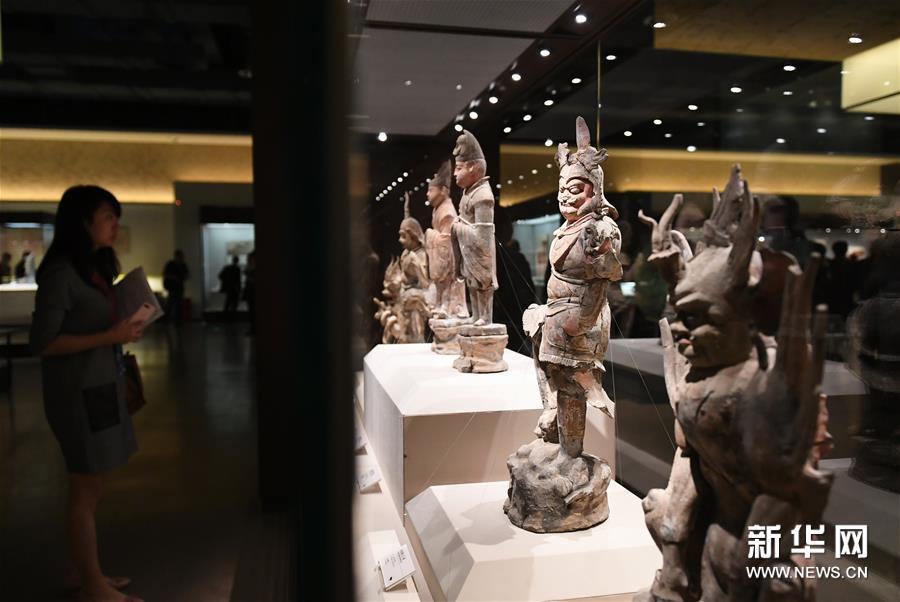 """"""" 第二届丝绸之路国际文化博览会文化年展开展"""