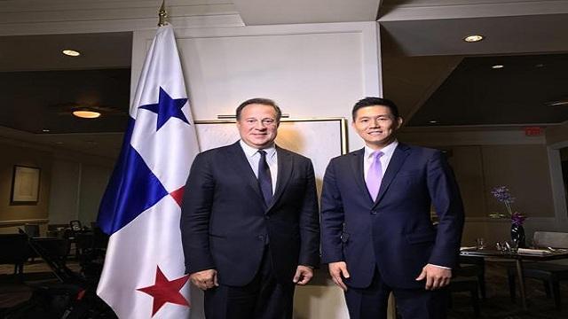 巴拿马总统讲述与台湾断交幕后