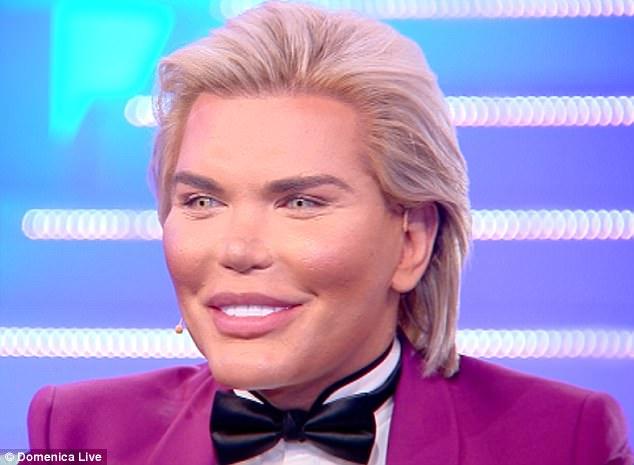 他整容上百次变成人形肯特娃娃 现在想变性做芭比