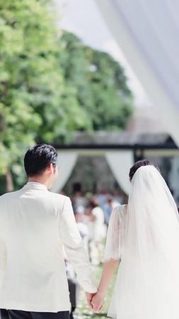陈怡蓉在脸书上晒出一张结婚背影照安徽快3推荐