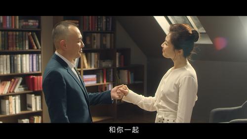 王珂发文纪念与刘涛结婚十周年 牵手还会心火烧