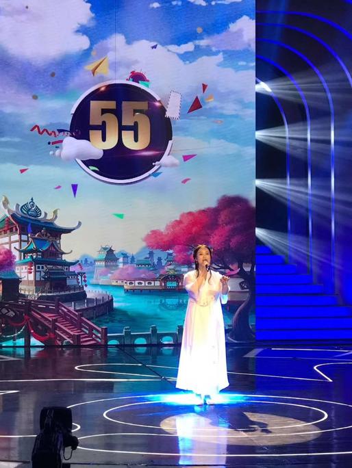 卫婷婷登央视幸福账单演绎经典影视歌曲 世界音乐受关注